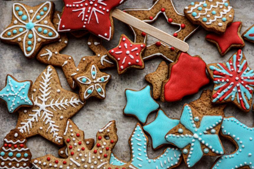 Cómo hacer galletas navideñas y decorarlas