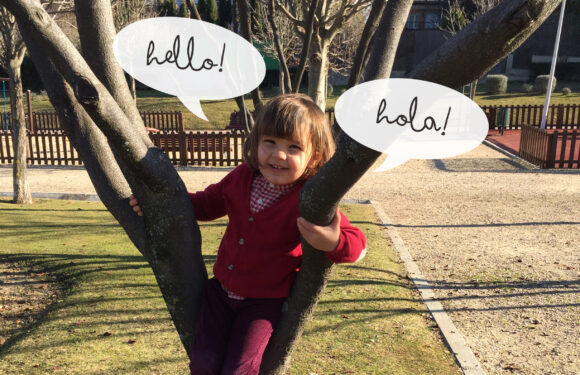 Los niños bilingües aprenden más rápido